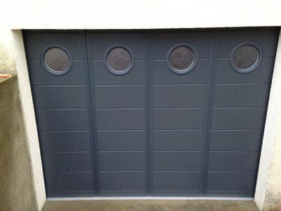 Porte de garage classique